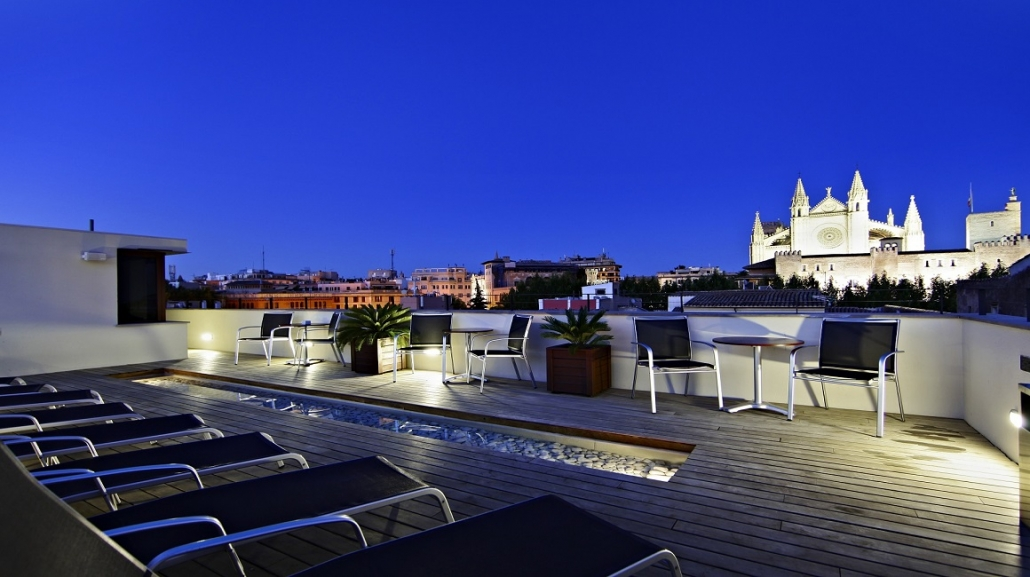 Hotel Tres Roof Terrace
