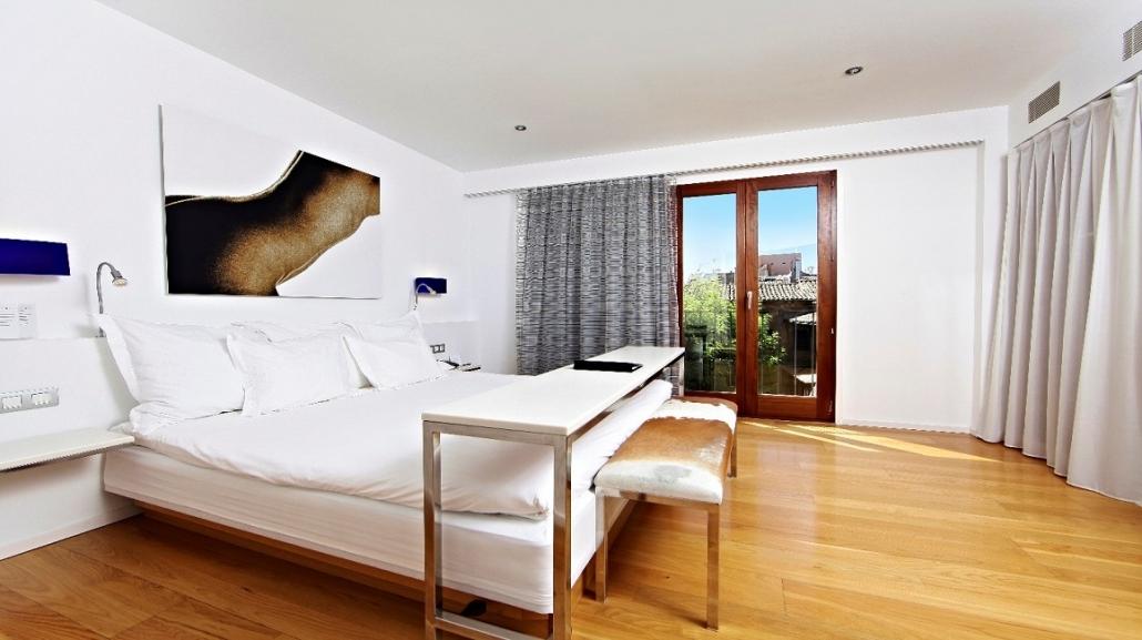Hotel Tres Standard Room