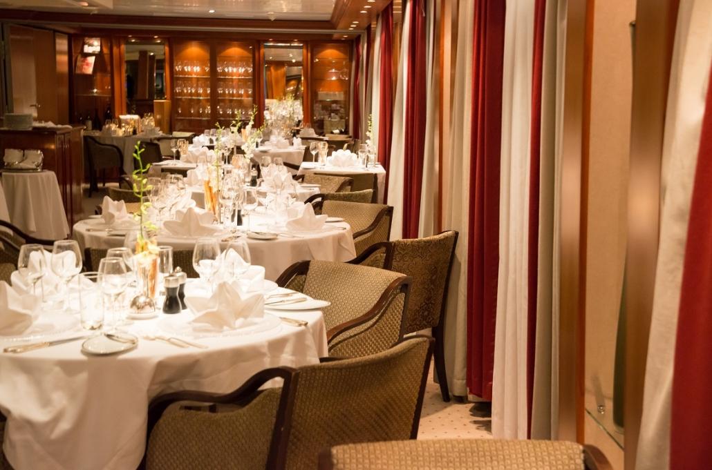SeaDream Dining Salon