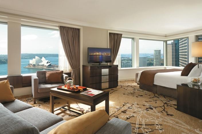 Shangri-La Premier Grand Harbour View Room