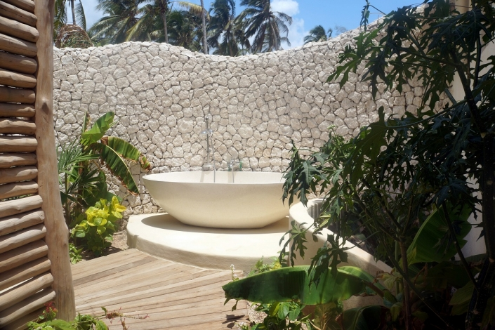 Zanzibar White Sand Outdoor bathtub
