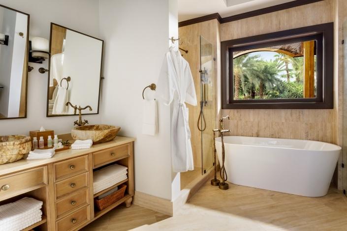Zemi Beach House Deluxe Bathroom